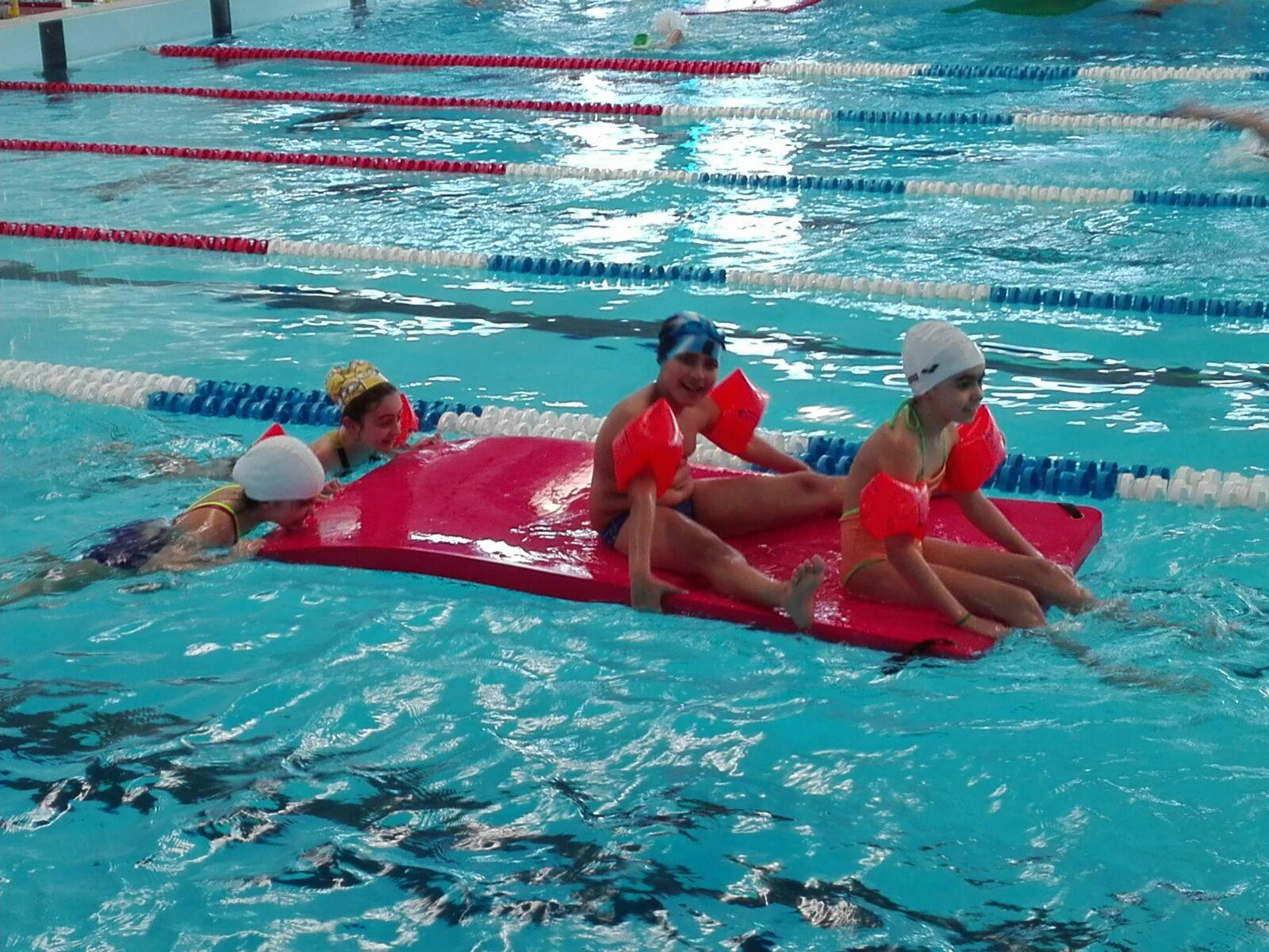 La scuola multitasking cinema piscina e incontri cm junior - Orientamento piscina ...