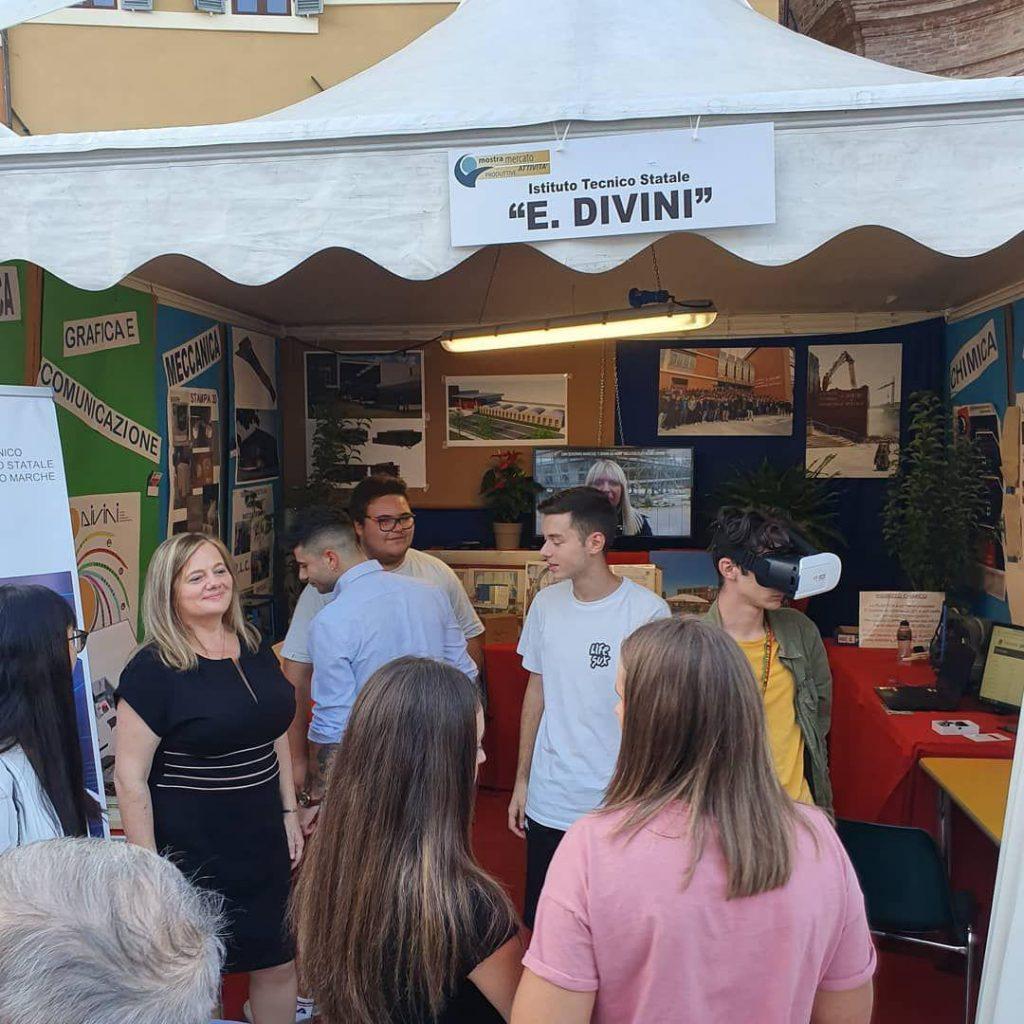 studenti_divini-1-1024x1024